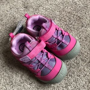 BRAND NEW Girls Washable Sneakers - 9